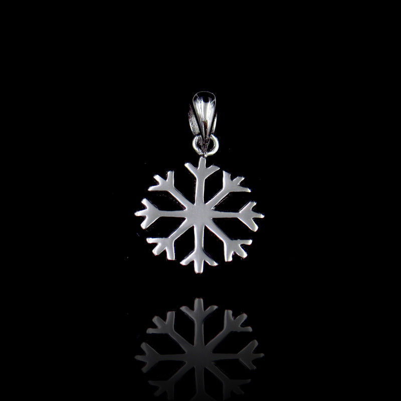 Vintage Jewelry Plain Silver Pendant Winter Snowflake Shape For Christmas