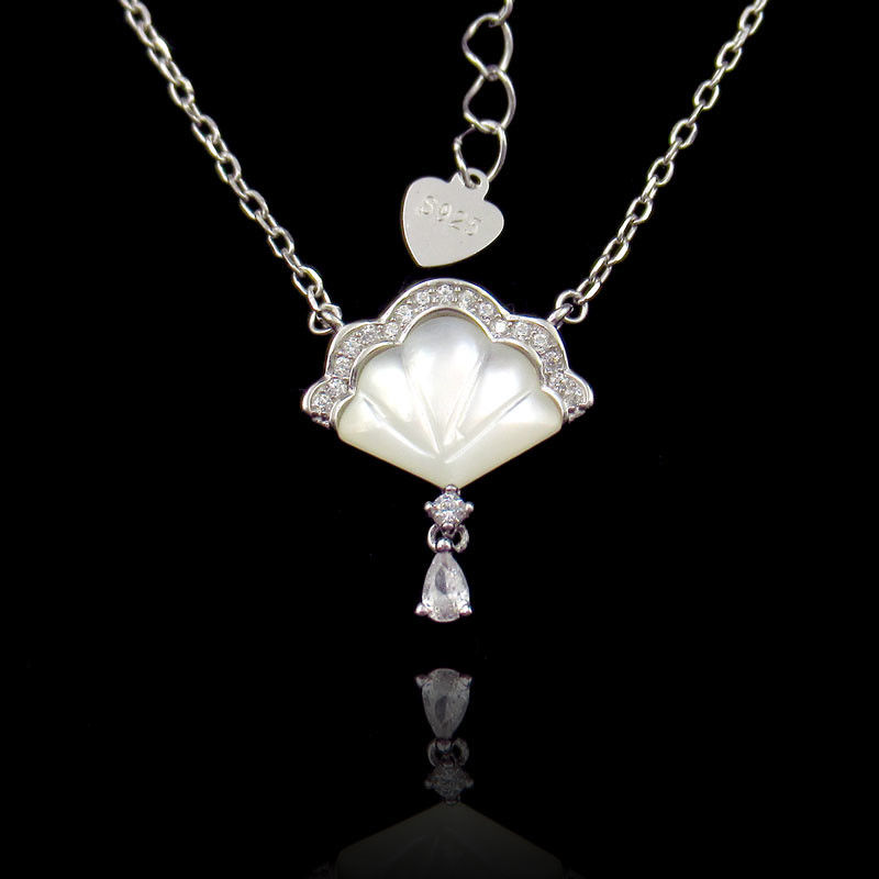 Fan Shaped Silver Cubic Zirconia Necklace With Natural Shell